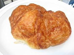 Ceci Cela Patisserie: Plain croissant (another view)