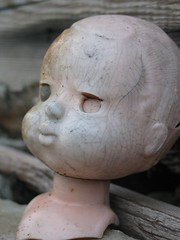 nukke 2 (vaula) Tags: old pink abandoned beach broken face toy doll estonia head decay cc creativecommons decayed lelu ranta viro kasvot nukke p rikkininen hyljtty
