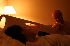 atulado (airedetina) Tags: luz hospital mujer pareja amor hombre compaia enferma enfermedad apoyo