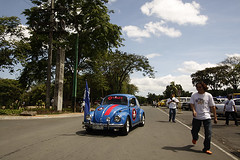 _MG_2123 (knjo.photography) Tags: california road street pink blue red white sexy men cars vw bug germany circle iron mayor you cityhall thing surfer steel philippines models beetle parade governor german babes longest 2008 commonwealth qc callook kombi oval roxie knjo worldrecord kharmannghia brasillia guinnessrecords volkswagenvw karlorteza khgarmvw girlsvw brazilvw ratvw