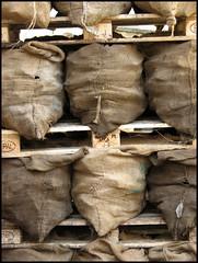 Kohlesäcke (sulamith.sallmann) Tags: berlin deutschland kohle thumbsup 2008 arbeit stills coals xyz paletten stapel beruf heizen kohlenhandel sulamithsallmann fu0 kohlehandel kohlensäcke kohlensack