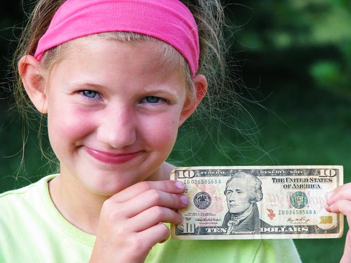 sophia's 10 bucks