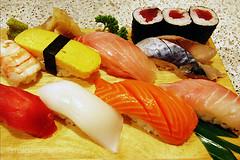 sushi set (AraiGodai) Tags: fish sushi interesting explore araigordai แซลมอน ซูชิ ปลากระพงแดงทะเล ปลาซาบะ ปลาทูน่า raigordai araigodai