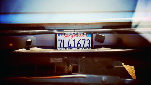 加州的車牌與牌框