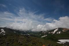 雲に隠れた旭岳