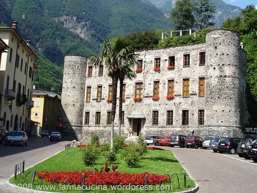 Castello Balbiani, bzw. was Schweizer Landsknechte und eine Versicherungsgesellschaft von ihm stehen gelassen haben