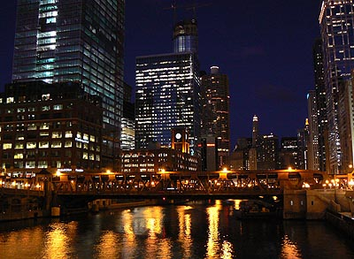 chicago river la nuit 1.jpg