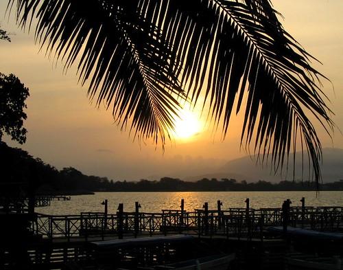 Sunrise-at-Izabal-Lake-Guatemala