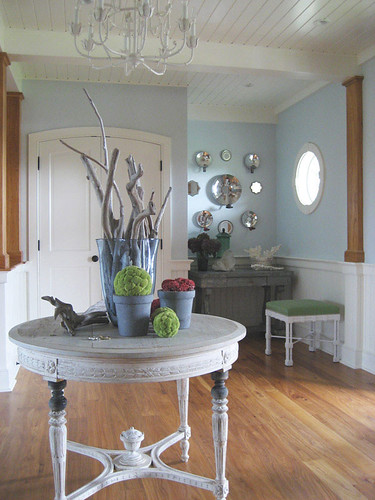 Entryway by decorology.