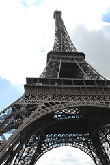 La Tour Eiffel (Gregory Song) Tags: paris latoureiffel eurotrip2008