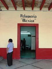 Mexico Estado - Peluquería México (Polycarpio) Tags: door people man méxico mexicana mexico puerta gente streetphotography personas mexique fotografia poly hombre gallardo mexiko messico tepotzotlan chilango edomex chilangos estadodemexico polyfoto fotografiacallejera mekishiko fotosalida polycarpio dwwg fotoguiamexico jmgallardo juanmanuelgallardo polygallardo juanmgallardo