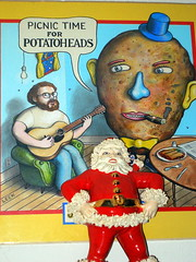 SANTA LOVES POTATOHEADS
