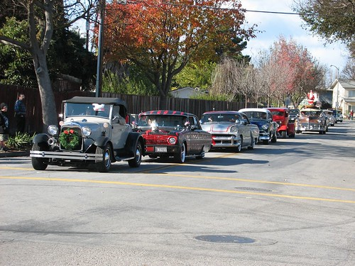 Lakewood neighborhood holiday parade