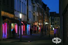 Schippersstraat - Antwerpen (K.Medeiros) Tags: light red antwerpen schipperskwartier schipperstraat rozebuurt
