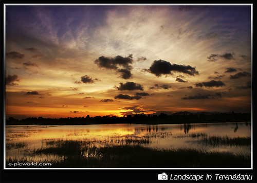 Sunset at Gong Badak wallpaper