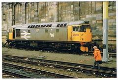 26041 at carlisle (Western SMT) Tags: br 26 glasgow brush 85 britishrail intercity 81 26041 class85 railfreight roarer 47833 class81 85101carlisle
