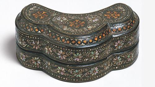 011- contenedores de Incienso-dinastía Koryo (918-1392)-Corea- Copyrigth © 2000-2009 The Metropolitan Museum of Art