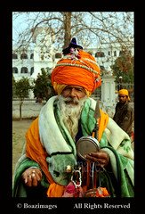 AMRITSAR (BoazImages) Tags: india man temple golden asia dress traditional documentary turban sikh tradition cloth punjab amritsar afc religous nihang boazimages