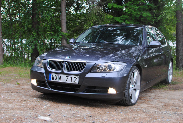 2005 car sedan bmw 325 2009 touring msport