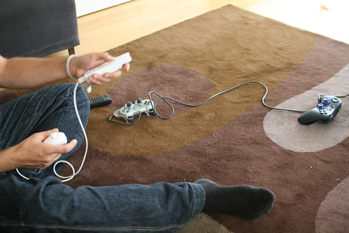 A left-hand wii player