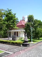 MENDUT Buddhist Monastery (Tianyake) Tags: indonesia monastery yogyakarta dharma borobudur buddhisttemples dhamma  mendut jawatengah
