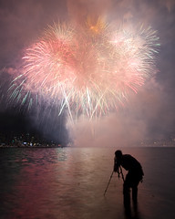 The Lonely Photographer (ttstam) Tags: fireworks july4th 4thofjuly sfm 2008 mse wamu terence seattleflickrmeetup indepedenceday 40d xprmntl ttstam 200807 terencetakshingtam 2008q3 flickr:user=xprmntl