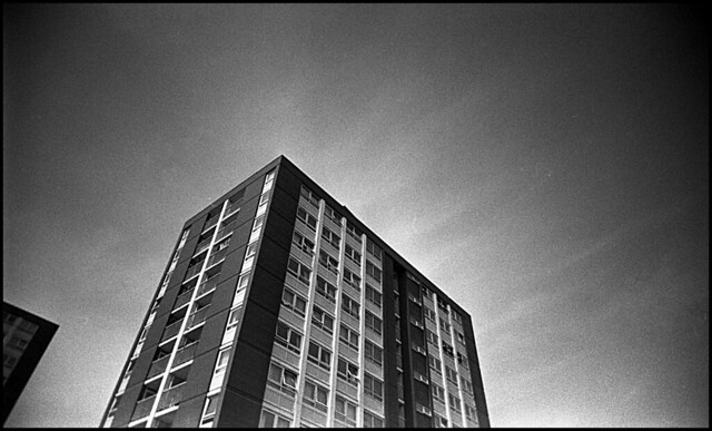 Vivitar Ultra Wide & Slim, Kodak Tri-X 400. Stand Developed in Rodinal 1+100 for 1 hour.