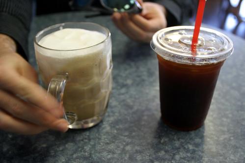 Grinders Coffee Logo. Grinders Coffee Co.