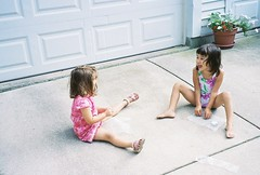 Bubble Popping (edenpictures) Tags: driveway eden bubblewrap fouryearold poppingbubbles