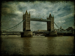 Tower Bridge ([ Jobro ]) Tags: bridge london towerbridge puente pont riverthames dragan tmesis urbanphoto draganeffect outstandingshots flickrsbest bej golddragon fotourbana anawesomeshot flickrbestpics