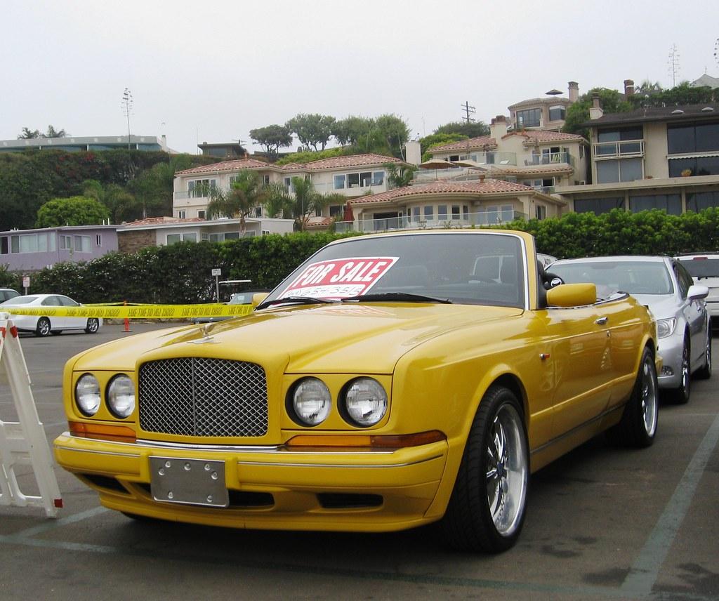 BENTLEY SPOTTING: Practical Yellow Bentleys