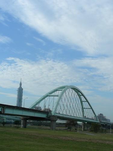 麥帥二橋與台北101