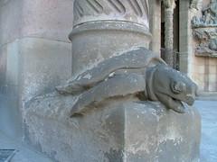 Arme Schildkröte (Deve) Tags: barcelona church spain kirche baustelle gaudí catalunya sagradafamilia constructionsite spanien schildkröte katalonien gaud