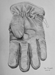 Drawing: Glove (Floyd Muad'Dib) Tags: blackandwhite bw usa white black art illustration america pencil geotagged blackwhite drawing object united north drew illustrations drawings objects gloves glove states drawn lead graphite leadpencil