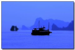 Vietnam (jmboyer) Tags: voyage travel beauty canon photography photo yahoo asia southeastasia flickr explorer vietnam explore viajes asie lonelyplanet monde canoneos300d halong nam halongbay gettyimages nationalgeographic voyages googleimage go vit canonfrance earthasia flickrlovers jmboyer