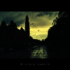 Hesitation only makes you late (Clara Zamith) Tags: street city people cloud color luz rain sunrise canon rebel town sopaulo photograph xti 400d skytheme clarazamith