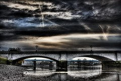 Putney Bridge (Nick Holdstock) Tags: uk bridge sky london water canon hdr putney putneybridge londonist 40d