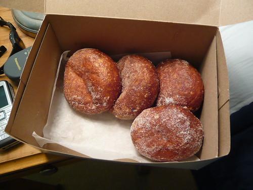 leonalds donut