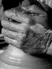Mans Netes ( EXPLORER) (Enrique Flores 71) Tags: barcelona manos mans fang barro terrassa firamodernista mygearandme