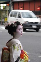 Mamehana (witness 1) Tags: street japan kyoto maiko geisha gion mamehana