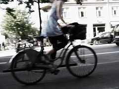 Sense of Ride (Mikael Colville-Andersen) Tags: summer blur fashion bicycle copenhagen style gear cycle chic    copenhage   streetstyle girlsonbikes  speed chic advocacy velopassioncc
