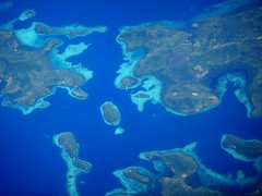 sobre las filipinas (~.liz.~) Tags: azul island mar asia isla filipinas avion oceano planeview