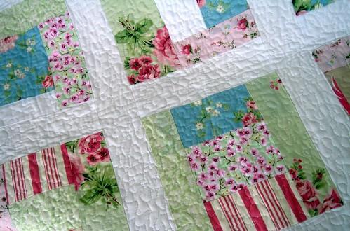 roses quilt detail