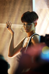 Rihanna Striking a Pose (Paul Flynn (Toronto)) Tags: show street city music toronto canada tv artist performance award queen gta 2008 chum 08 ctv muchmusicvideoawards mmva rihanna