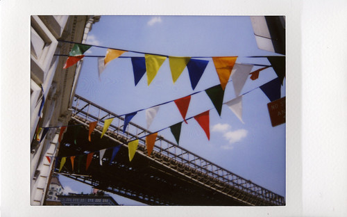 flags & brooklyn bridge