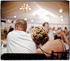 Beat. (Ryan Brenizer) Tags: wedding newyork nikon bokeh july sigma30mmf14dc upstateny noflash poughkeepsie reception 2008 d3 rachelanddave