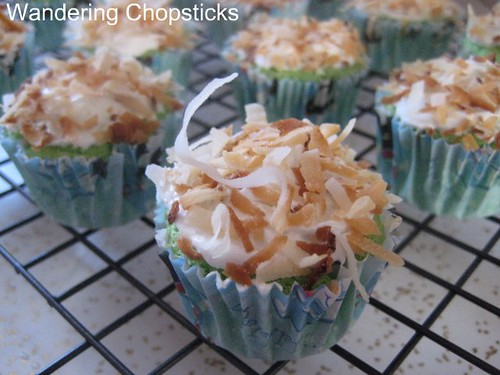 Pandan Mini Cupcakes with Coconut Flakes 3