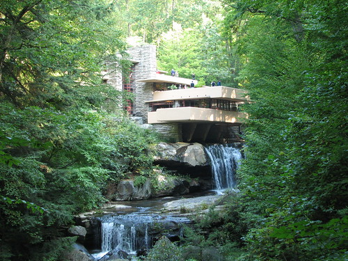 Fallingwater: the famous view