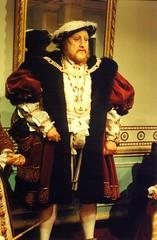 2000-102220 (bubbahop) Tags: uk greatbritain madame england london museum king 2000 unitedkingdom henry wax henryviii tussauds europetrip7