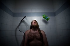 (drifs) Tags: morning blue light boy man men guy water de bathroom shower lampe early fly bath eau lumire flash objects bleu bain vol wakeup vole six tot douche gars salle homme reveil matin mec voler ehrhardt strobist drifs